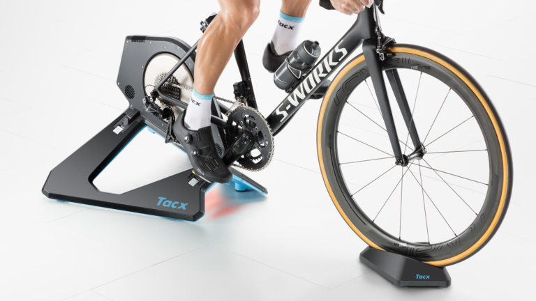 Tacx_T2850_NEO-2-Smart_Gallery_In-use_Front-768x432